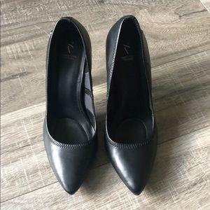 Vera wang leather high heels